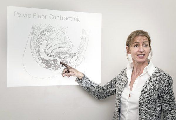 Maeve Whelan teaching Pelvi Floor Manual Therapy
